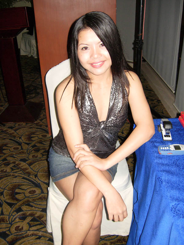 philippine single woman